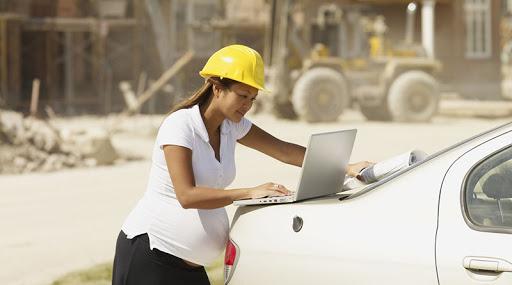 Mês da mulher: os cuidados com a gestante no ambiente de trabalho